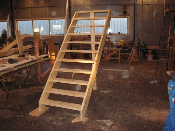 Trappen product willie 39 s hout haalbouw b v for Steektrap hout